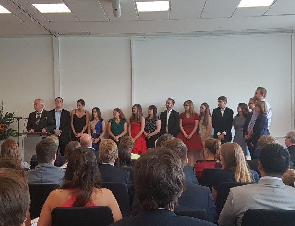 Absolventen des BK-Barmen Europaschule für Bestnoten geehrt