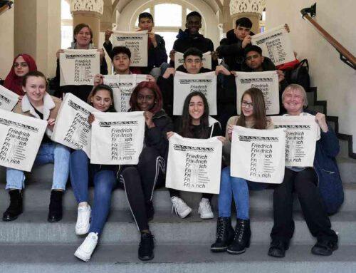 Schüler produzieren Engels-Taschen